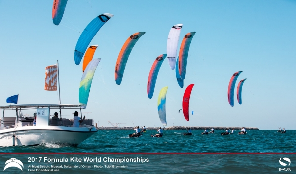 Chase for Formula Kite World Championship glory in Oman kicks off in perfect conditions