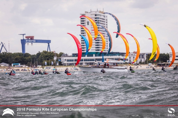 Guy Bridge and Daniela Moroz win 2018 Formula Kite Europeans in Warnemuende