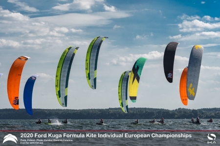 "Poland's Damasiewicz and France's Mazella lead Formula Kite fleet into ""Super Sunday"""